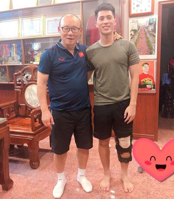 Sau gần 2 năm ở Việt Nam, HLV Park Hang Seo lần thứ 3 đổi mắt kính - Ảnh 4.