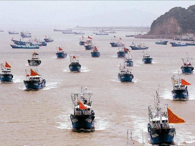 GS Carl Thayer: Vỏ bọc ngư dân trong chiến thuật vùng xám nguy hiểm của Trung Quốc trên Biển Đông - Ảnh 3.