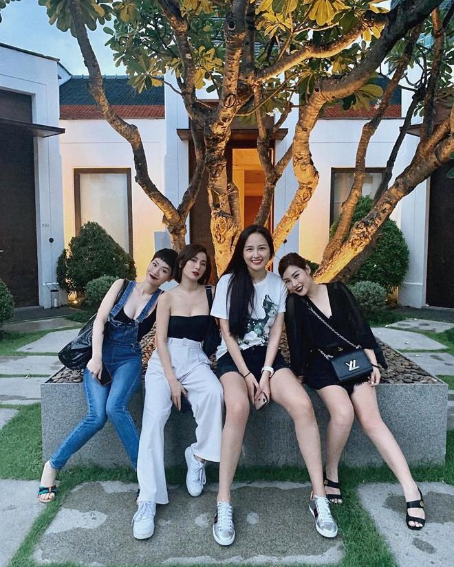 Xuất hiện thêm hội bạn thân siêu chất của showbiz Việt: Quy tụ toàn đại gia ngầm, nhan sắc nóng bỏng không phải dạng vừa đâu - Ảnh 19.