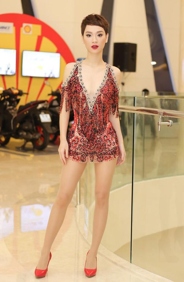 Xuất hiện thêm hội bạn thân siêu chất của showbiz Việt: Quy tụ toàn đại gia ngầm, nhan sắc nóng bỏng không phải dạng vừa đâu - Ảnh 4.