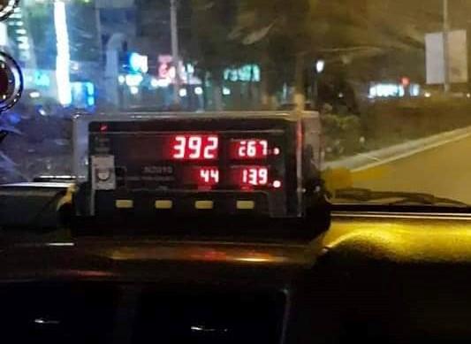 Đà Nẵng - Taxi mắc quá Taxi-dong-ho-1564047580763268604915