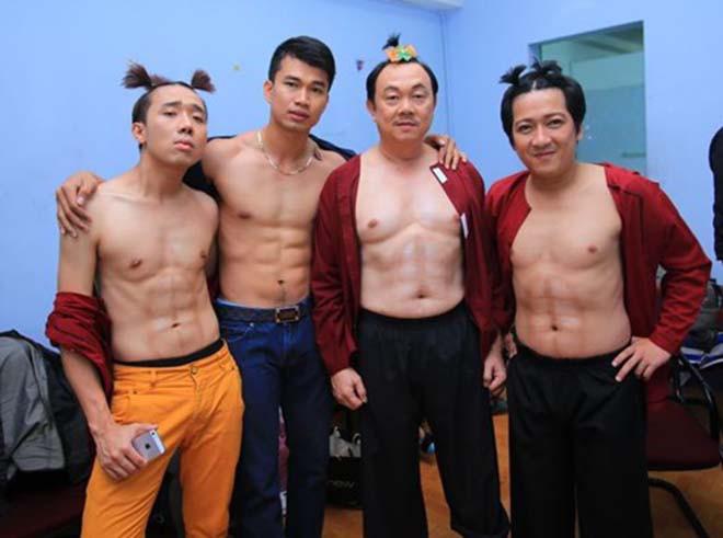 Những lần cởi áo khoe bụng hài hước của MC Trấn Thành - Ảnh 1.