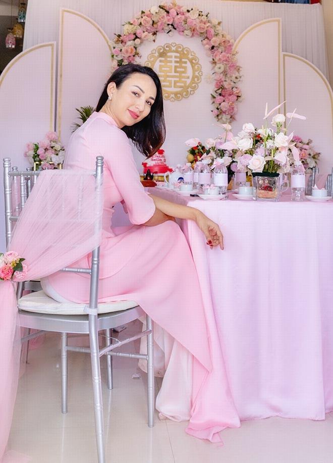 Danh tính em gái ruột không thích nổi tiếng của hoa hậu Ngọc Diễm - Ảnh 2.