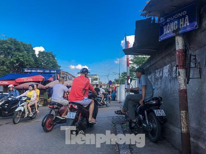 Chợ Long Biên ngày trùm bảo kê Hưng kính nhận án 48 tháng tù - Ảnh 2.