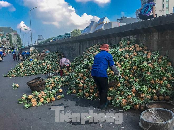 Chợ Long Biên ngày trùm bảo kê Hưng kính nhận án 48 tháng tù - Ảnh 11.