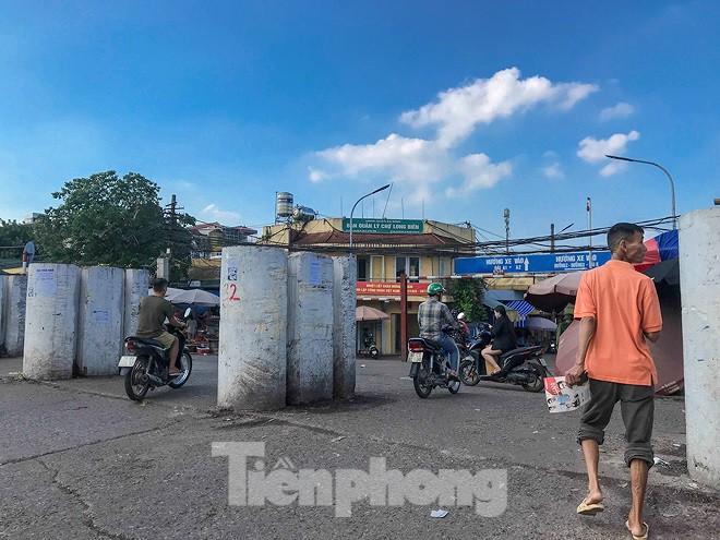 Chợ Long Biên ngày trùm bảo kê Hưng kính nhận án 48 tháng tù - Ảnh 3.