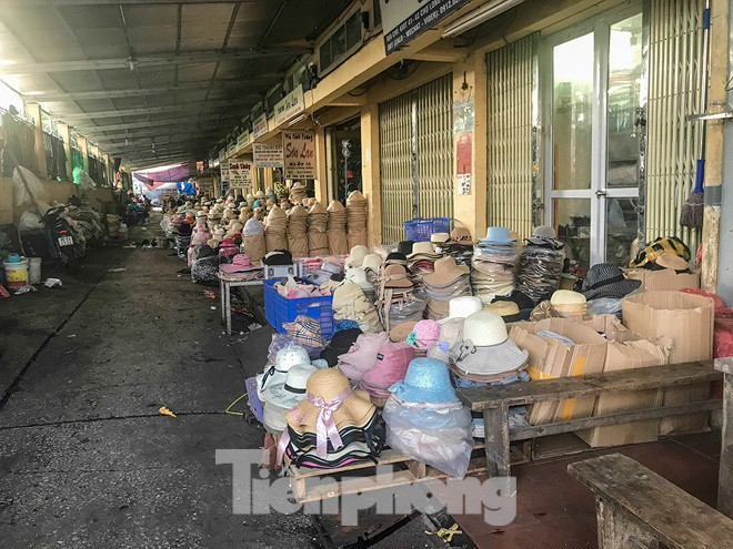 Chợ Long Biên ngày trùm bảo kê Hưng kính nhận án 48 tháng tù - Ảnh 9.