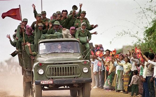 """Chiến trường K: Máu Việt Nam đã đổ - Nhân dân Campuchia tri ân sâu sắc """"Bộ đội nhà Phật"""" - Ảnh 2."""