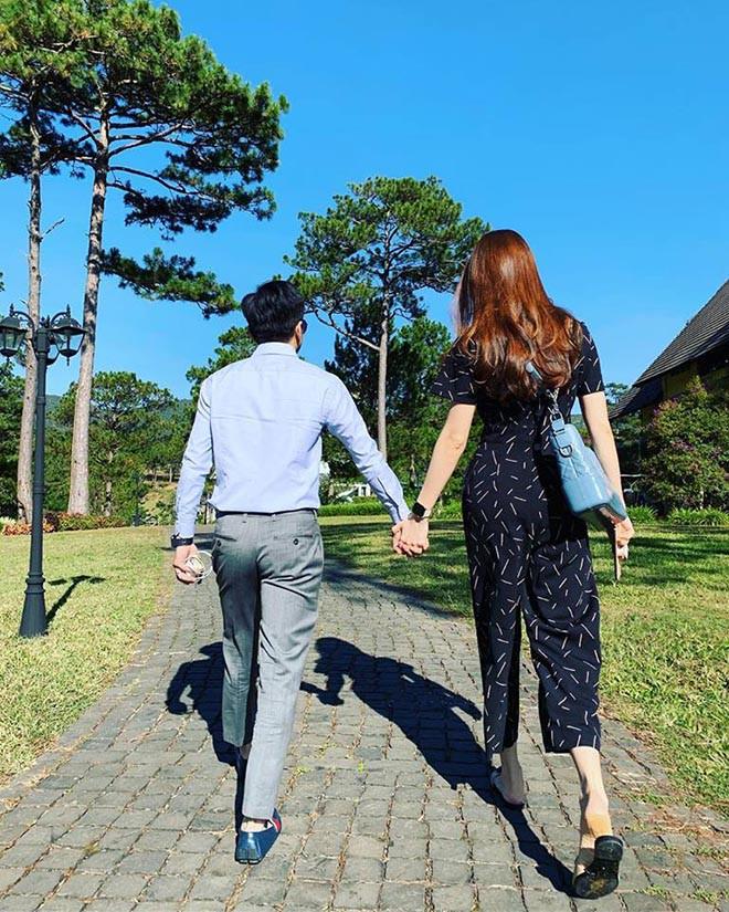 Vẻ gợi cảm và cuộc sống sang chảnh của Đàm Thu Trang trước ngày làm vợ Cường Đô La - ảnh 9