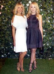 """Dư luận ngỡ ngàng với nhan sắc của mẹ Tiffany Trump, khác con gái """"phì nhiêu"""" một trời một vực với vẻ ngoài trẻ như gái đôi mươi - Ảnh 6."""