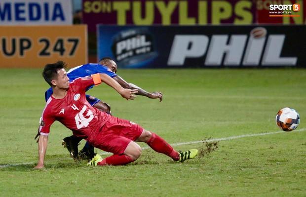 Bầu Hiển của Hà Nội FC xuống động viên CLB Quảng Nam giữa cuộc chiến trụ hạng và tin đồn một ông chủ nhiều đội bóng - Ảnh 4.