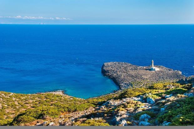 """Kỳ lạ """"hòn đảo 0 đồng"""" đẹp tựa thiên đường, nơi du khách được mời đến ở và miễn phí tất cả mọi thứ? - Ảnh 4."""