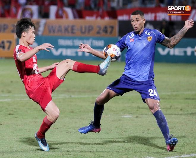 Bầu Hiển của Hà Nội FC xuống động viên CLB Quảng Nam giữa cuộc chiến trụ hạng và tin đồn một ông chủ nhiều đội bóng - Ảnh 8.
