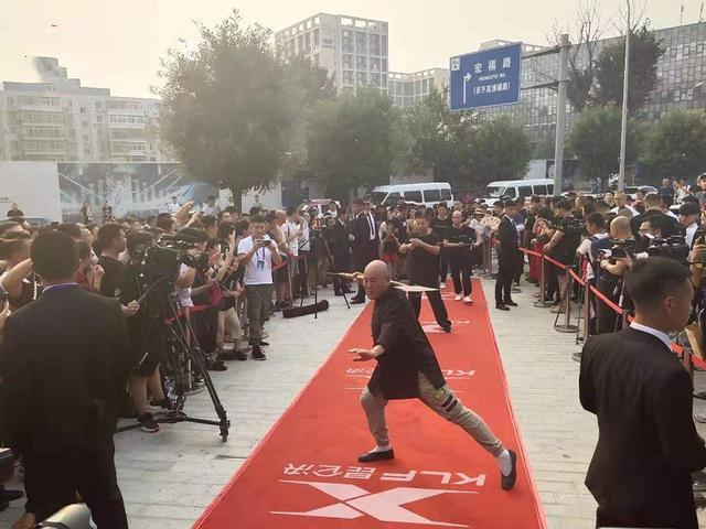 """Võ sư Thiếu Lâm, Vịnh Xuân bị mỉa mai vì làm trò """"điên rồ"""" ở đại hội võ lâm Trung Quốc - Ảnh 3."""