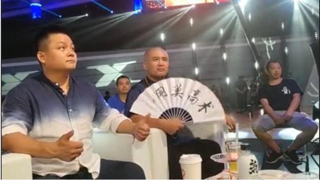 """Võ sư Thiếu Lâm, Vịnh Xuân bị mỉa mai vì làm trò """"điên rồ"""" ở đại hội võ lâm Trung Quốc - Ảnh 4."""