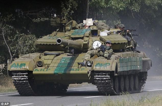 Siêu xe tăng T-84 Oplot-M: Từ nỗi ô nhục ở Chechnya tới con bò sữa của Ukraine? - Ảnh 1.