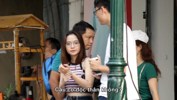 Loạt gái xinh mới nổi: Vô tình lọt vào ống kính người qua đường hay sở hữu tên lạ thôi là đủ chiếm spotlight - Ảnh 1.