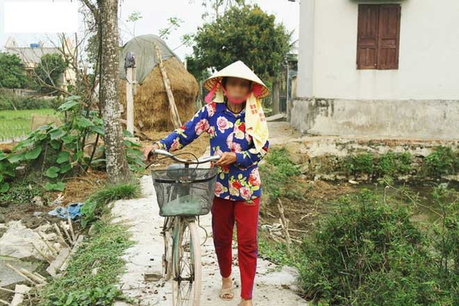Những hình ảnh khắc khổ của mẹ ca sĩ Châu Việt Cường trước khi bị tàu hỏa đâm tử vong - Ảnh 7.
