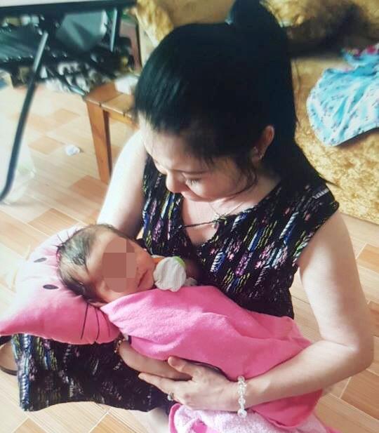 Diễn biến mới vụ ADN con gái nuôi của nữ chủ tịch phường - Ảnh 1.