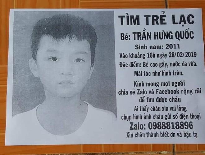 Người cha ở Sài Gòn ôm con khóc trong hạnh phúc sau hơn 4 tháng tìm kiếm mỏi mòn - Ảnh 2.