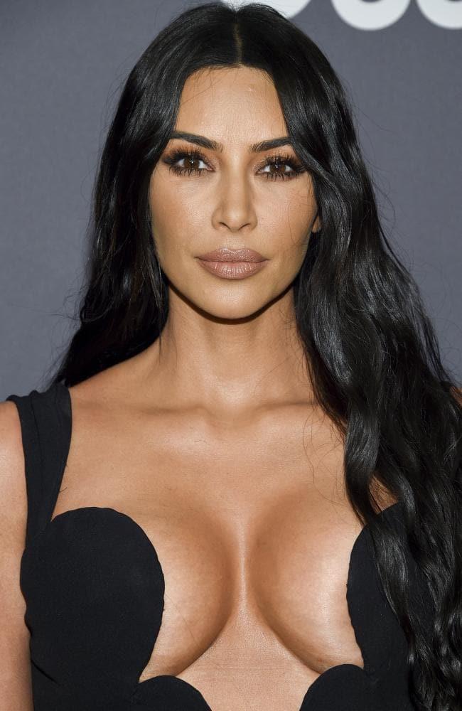 Chuyện quái dị về người phụ nữ hơn 40 năm không hé răng cười và bí mật chiêu làm đẹp không tốn 1 xu đến Kim Kardashian cũng muốn học tập - Ảnh 10.