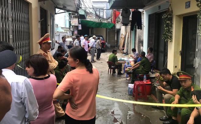 Hiện trường vụ nổ khiến mặt đất rung chuyển, nhà thủng mái và một phụ nữ tử vong ở Hải Phòng - Ảnh 5.