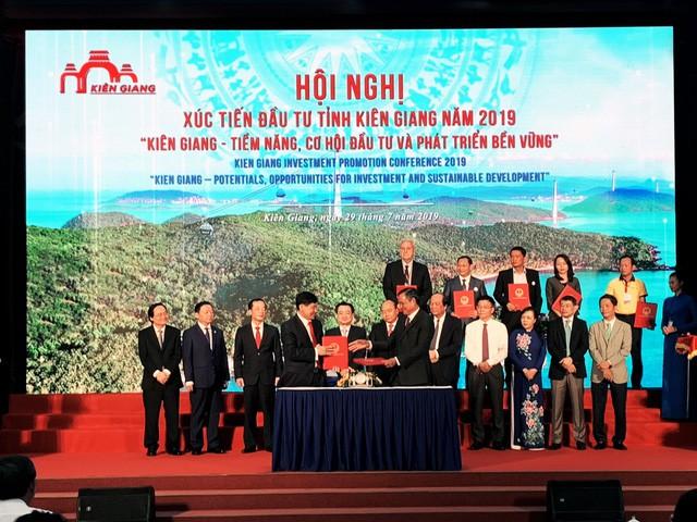 Sau vụ lộ thông tin ở Đà Nẵng, vua hàng hiệu Hạnh Nguyễn chuyển hướng sang Phú Quốc, lập dự án Khu phi thuế quan - Factory Outlet hơn 6.800 tỷ đồng - Ảnh 2.