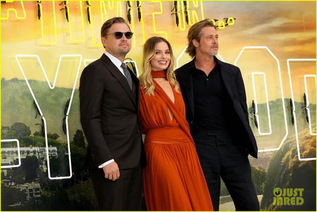 Thảm đỏ Once Upon a Time: Bộ đôi tài tử Leonardo - Brad Pitt bảnh bao bên Harley Quinn đẹp xuất sắc, dàn sao mặc lố lại là tâm điểm - Ảnh 1.