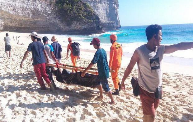 """Du lịch Bali và hàng loạt hiểm nguy rình rập du khách: Sóng """"tử thần"""", khỉ """"cướp giật"""" và đặc biệt là điều cuối cùng! - Ảnh 1."""
