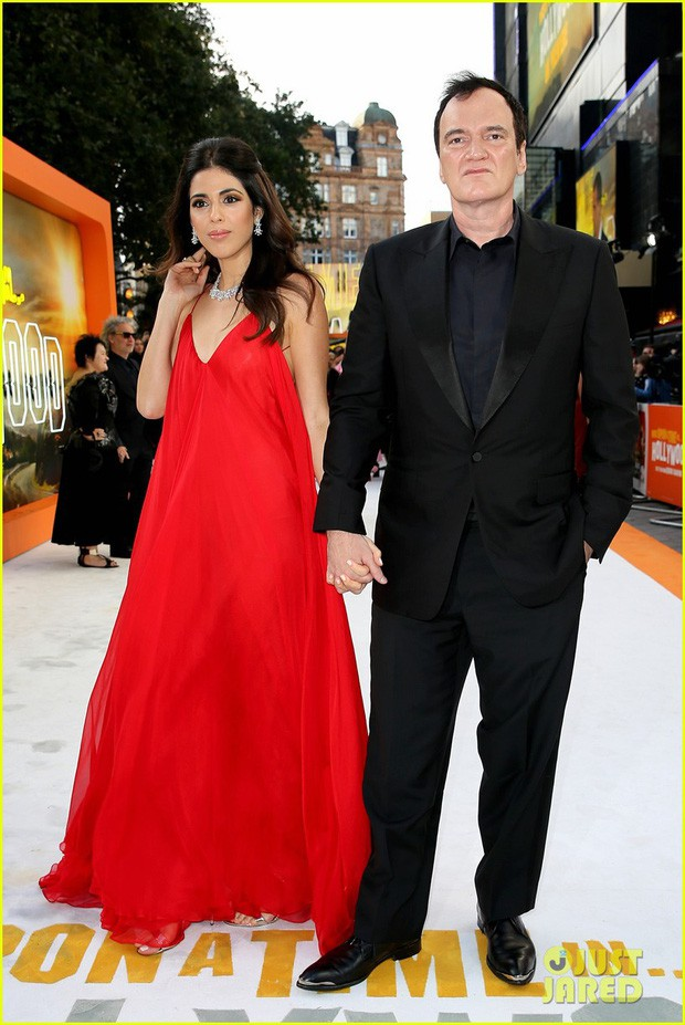 Thảm đỏ Once Upon a Time: Bộ đôi tài tử Leonardo - Brad Pitt bảnh bao bên Harley Quinn đẹp xuất sắc, dàn sao mặc lố lại là tâm điểm - Ảnh 8.