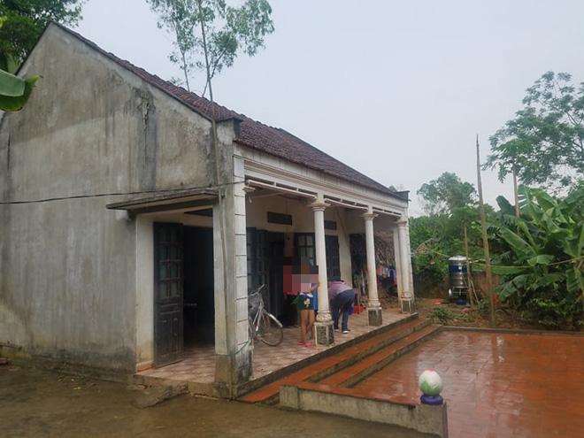 Nữ sinh lớp 8 bị bố đẻ ép quan hệ tình dục đến sinh con ở Phú Thọ - Ảnh 1.