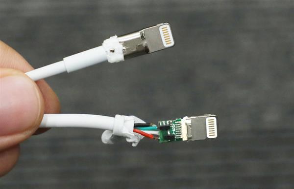 Giải phẫu cáp sạc iPhone hàng giả và hàng xịn, đừng bao giờ tiếc tiền cho phụ kiện công nghệ này - Ảnh 12.