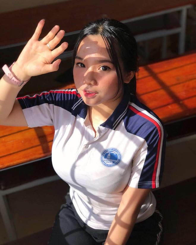 Girl xinh sinh năm 2002 có màn dậy thì thành công, sở hữu số đo vòng 1 nhiều người ước ao - Ảnh 3.