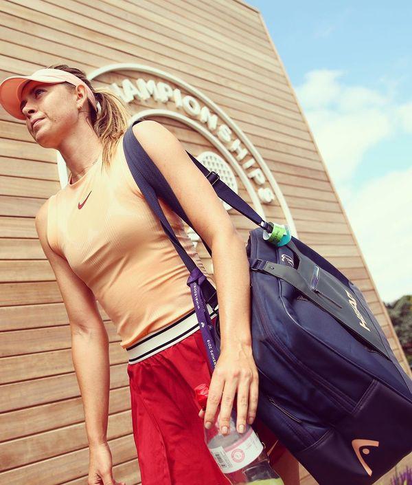 Búp bê Nga Maria Sharapova diện váy cực ngắn, khoe chân dài miên man trong buổi tập mới nhất - Ảnh 1.
