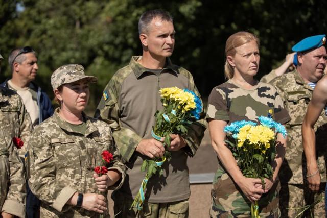 Thăm Donbass lần 3, TT Ukraine bất ngờ được hưởng ứng nhiệt liệt vì 1 câu nói liên quan đến Nga - Ảnh 3.