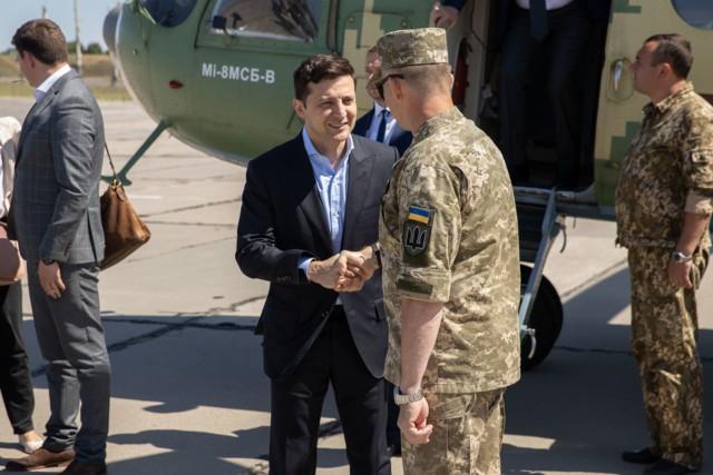 Thăm Donbass lần 3, TT Ukraine bất ngờ được hưởng ứng nhiệt liệt vì 1 câu nói liên quan đến Nga - Ảnh 5.