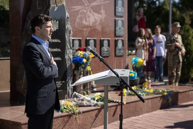 Thăm Donbass lần 3, TT Ukraine bất ngờ được hưởng ứng nhiệt liệt vì 1 câu nói liên quan đến Nga - Ảnh 6.