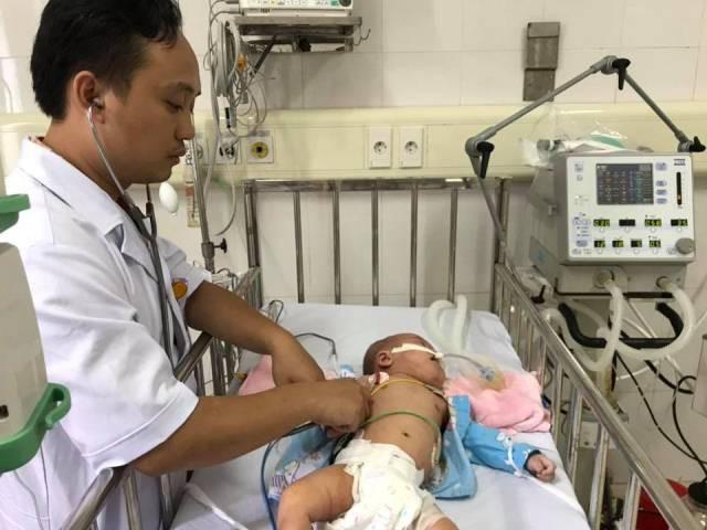 Cảnh báo nhiều trẻ mắc sởi biến chứng nặng vì không tiêm vắc xin - Ảnh 2.