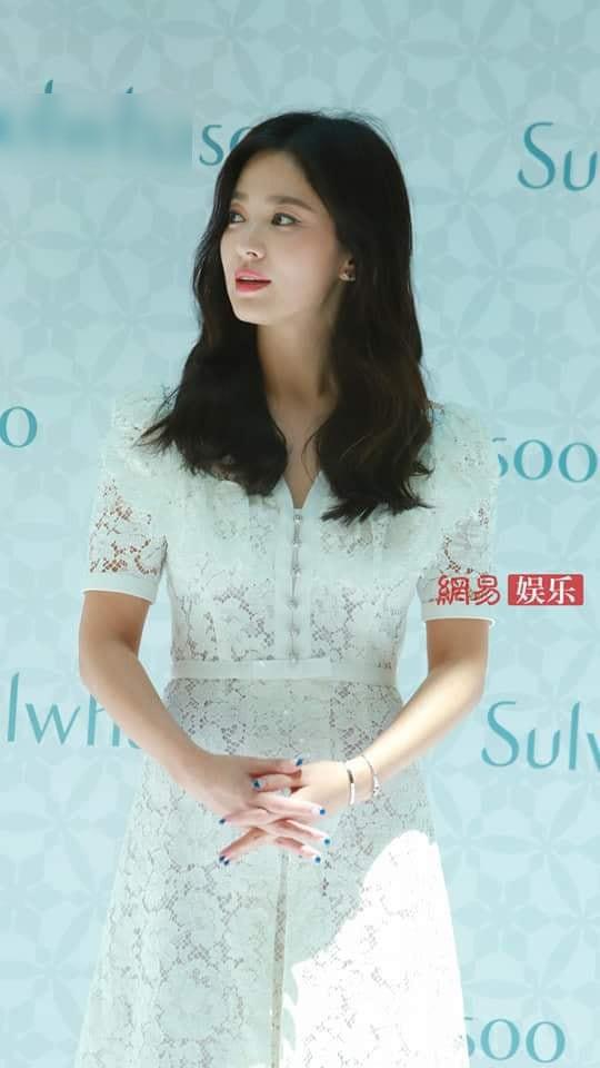 Sau lời xác nhận ly hôn, đây là câu nói đầu tiên của Song Hye Kyo khi đứng trước công chúng - Ảnh 5.