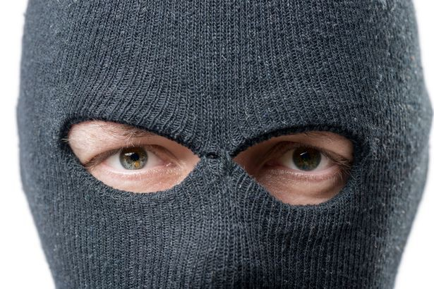 Bị từ chối trên mạng xã hội, gã thanh niên quyết tìm đến tận nhà cô gái để giở trò đồi bại - Ảnh 2.