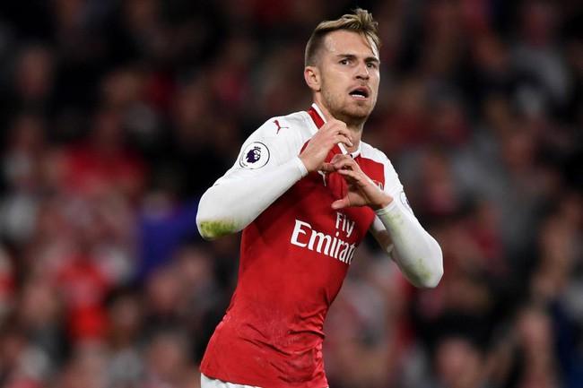 Lời đề nghị kỳ quặc và cơn khủng hoảng lớn đang bao vây Arsenal - Ảnh 2.