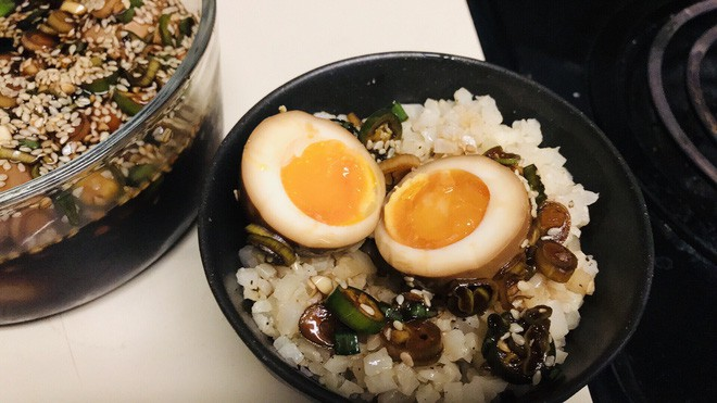 Lạ kỳ món trứng gây nghiện đến mức có cái tên là trứng thuốc phiện ở Hàn Quốc - Ảnh 2.