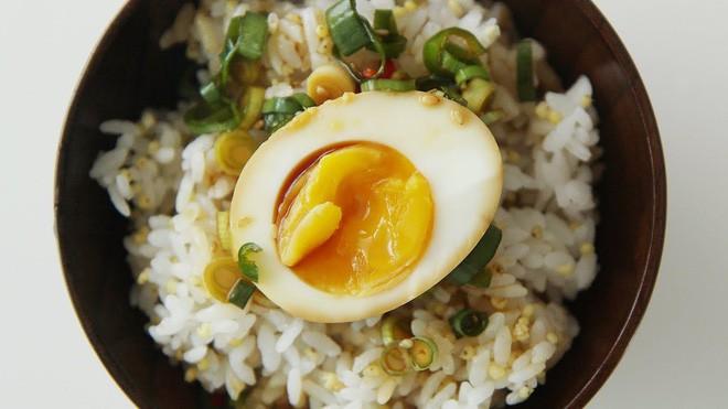 Lạ kỳ món trứng gây nghiện đến mức có cái tên là trứng thuốc phiện ở Hàn Quốc - Ảnh 5.