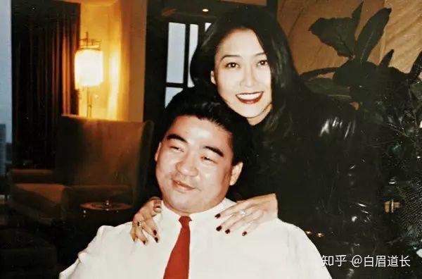 Hoa hậu phim nóng Hong Kong: Đổi đời nhờ lấy đại gia, có con gái bốc lửa hơn cả mẹ - Ảnh 5.