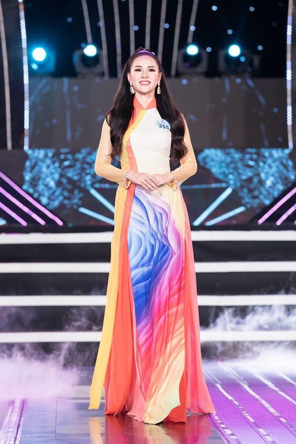Bạn gái soái ca U23 Việt Nam lần thứ 6 bị loại khỏi cuộc thi Hoa Hậu - Ảnh 2.