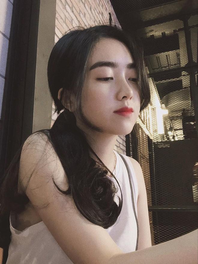 Hà Đức Chinh công khai bạn gái: Mặt xinh, body nóng bỏng chẳng kém gì hotgirl đình đám - Ảnh 4.