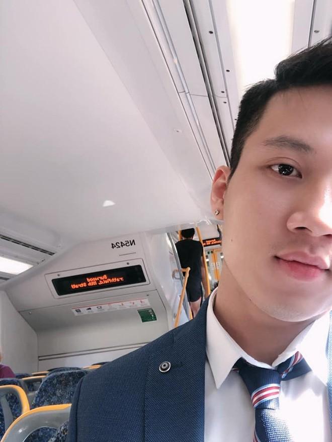Thầy giáo Việt hot nhất MXH những ngày qua: Đẹp trai cao ráo như người mẫu, là thạc sĩ Ngôn ngữ tại Úc - Ảnh 10.