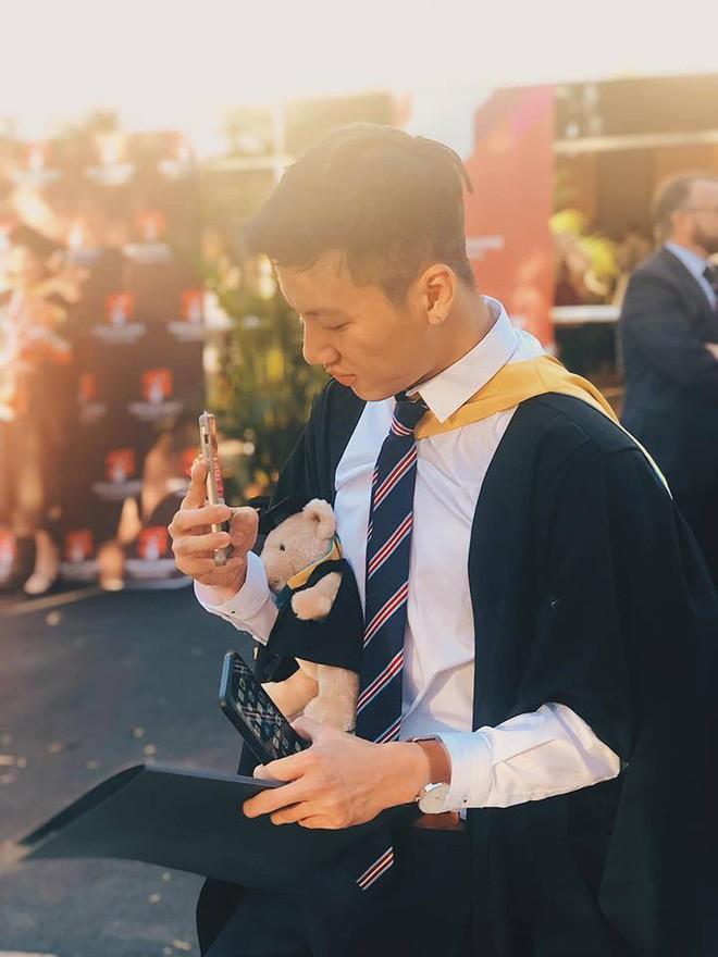 Thầy giáo Việt hot nhất MXH những ngày qua: Đẹp trai cao ráo như người mẫu, là thạc sĩ Ngôn ngữ tại Úc - Ảnh 11.