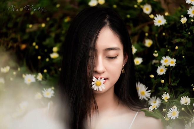 Nữ sinh Ngoại thương là ứng viên nặng ký của vương miện Hoa hậu thế giới Việt Nam 2019: IELTS 7.5, học sinh đội tuyển HSG Quốc gia Toán - Ảnh 7.