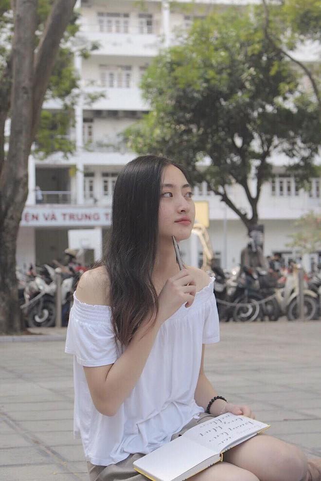 Nữ sinh Ngoại thương là ứng viên nặng ký của vương miện Hoa hậu thế giới Việt Nam 2019: IELTS 7.5, học sinh đội tuyển HSG Quốc gia Toán - Ảnh 9.